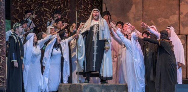 Der Festspieloper Prag muss seinen für Homberg geplanten Auftritt der Oper NABUCCO verschieben. Unser Bild zeigt eine Szene mit Jurij Kruglov als Zaccharias.  Foto: T. Weber