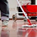 In der Reinigungsbranche sind befristete Stellen stark verbreitet – und werden für die Betroffenen oft zur Falle. Die Gewerkschaft fordert ein Gesetz zu ihrer Eindämmung. Foto: IG BAU