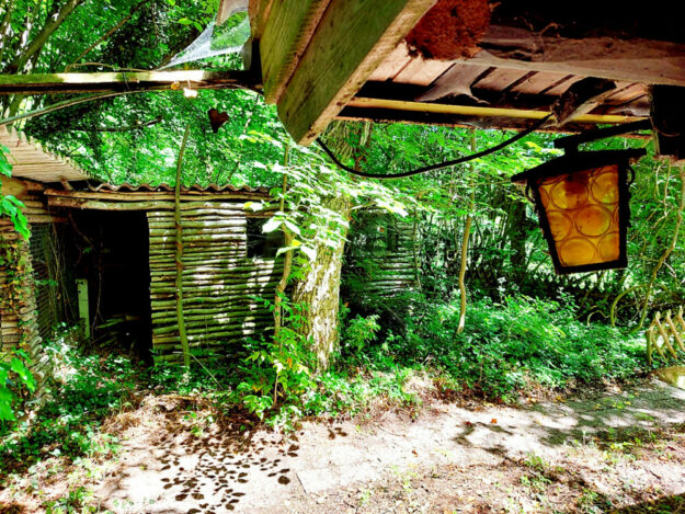 Blick auf die idyllischen Palisaden-Hütten. Foto: Uwe Dittmer