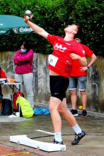 Luis André machte mit seiner 17m-Weite im Kugelstoßen seinen nächsten Leistungssprung. Foto: nh