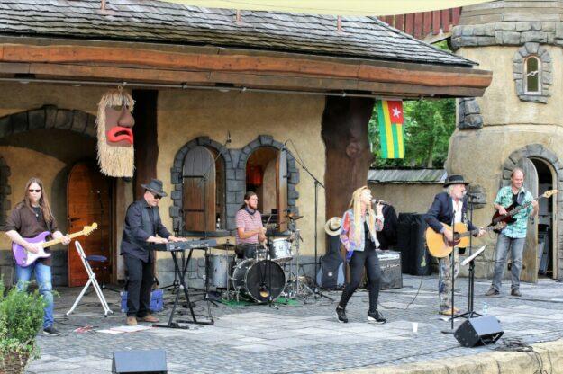 Dylan's Dream bei einem Auftritt auf der Märchenbühne im vergangenen Jahr. Foto: Rainer Sander
