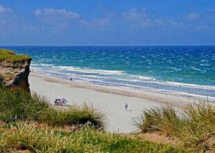 Die ganze Insel Sylt ist ein Urlaubstraum wie aus dem Bilderbuch. Das Foto entstand am Roten Kliff bei Wenningstedt, nördlich von Westerland. Foto: Erich Westendarp | Pixabay