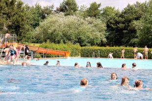 Am Samstag, 12. Juni, beginnt in Ziegenhain die Freibadesaison. Einige Pandemie-Regelungen müssen zwar beachtet werden, aber der Wasserspaß an heißen Sommertagen ist ungetrübt. Foto: nh