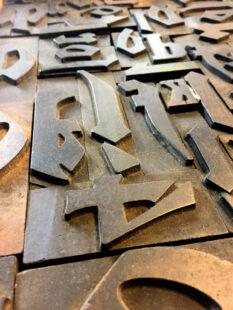 Mit seiner Erfindung von Drucktypen revoluzionierte Johannes Gutenberg nicht nur das Bearbeitungstempo einzelner Ausgaben, sondern das gesamte Kopierwesen im Buchdruck. Foto: nh