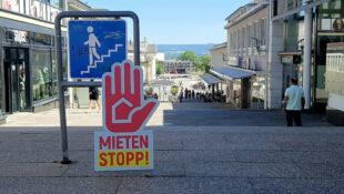 Die Forderung nach Mietenstopp würde auch etlichen Ladeninhaber*innen zugute kommen. Das Bild entstand in der Kasseler Treppenstraße. Foto: DGB