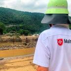 Malteser Einsatzkräfte aus Bayern unterwegs im Kreis Ahrweiler. Deutschlandweit unterstützen mehrere hundert Malteser die Feuerwehren und Polizei bei ihrer Arbeit in den Hochwassergebieten. Foto: Daniel Schwarz | Malteser