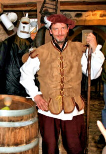 Am 11. Juli gibt es wieder eine Themenführung in der Konfirmationsstadt Ziegenhain. Unter anderen lässt Bernd Brandstetter die Vergangenheit wieder lebendig werden. Foto: Schwalm-Touristik e.V.