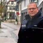 """Polizeioberkommissar (POK) Heiko Ludwig von der Polizeistation Fritzlar ist der """"Schutzmann vor Ort"""" für Gudensberg. Foto: nh"""