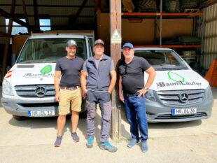 Edgar Franke (re.) zusammen mit Geschäftsführer Sebastian Möller (Mitte) und Mitarbeiter Hendrik Stöhr. Foto: nh