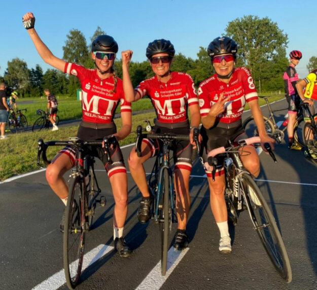 Nach erfolgreichem Rennen in Baunatal (v.li.) Jana Bühn, Kristina Schalk und Christina Lechner. Foto: Alexander Baumann