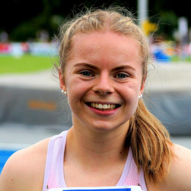 Die 16-jährige Vivian Groppe erfüllt mit ihrer Steigerung über 200 Meter auf 24,16 Sekunden die Norm für die U18-EM in Rieti, die leider dem Rotstift zum Opfer fiel und verbesserte die 100m-Kreisrekorde der Frauen, U20 und U16 auf glänzende 11,78 Sekunden. Foto: nh