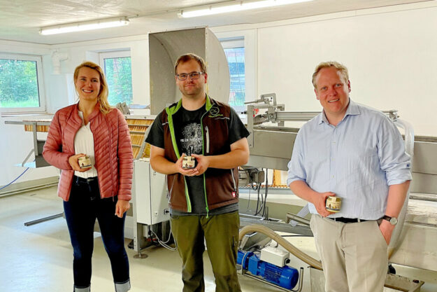 Von links: Anna-Maria Bischof, Oliver Hohmann, Tilman Kuban. Foto: nh
