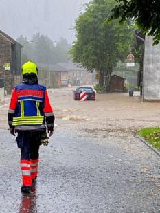 Nach der verheerenden Katastrophe sind jetzt Empathie und Hilfsangebote für die Seele gefragt. Foto: Malteser Hilfsdienst