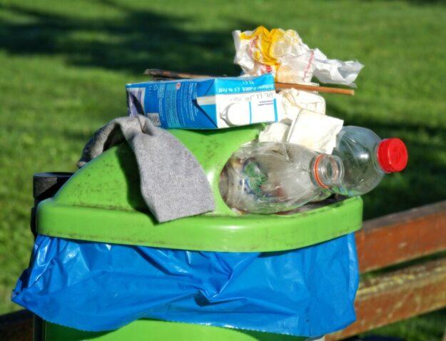 Wohin mit dem Müll, wenn ihn niemand abholt? Der Abfallzweckverband pocht auf Vertragserfüllung. Foto:  Manfred Antranias Zimmer | Pixabay