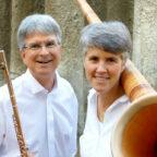 Kleine Flöte, großes Alphorn. Chai Min Werner und Johannes Hustedt sind das Duo Querhorn. Foto: nh