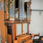 """Der Schimmel hat der """"Königin der Instrumente"""" über die Jahrzehnte schwer zugesetzt. Nun bittet die Kirchengemeinde Wabern um Spenden, damit die schmucke Rokokoorgel wieder Herzen der Kirchenbesucher erfreuen kann. Foto: Thomas Schattner"""