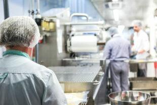 Gastronomische Firmen, mini Jobs – gerade im Gastgewerbe hat die Pandemie arge Joblücken gerissen. Die Minijobs gehören längst auf den Prüfstand, fordert der Deutsche Gewerkschaftsbund (DGB). Foto Jan Reimann | Pixabay