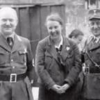 """Die """"harmlosen"""" Nazis aus der Nachbarschaft. Jeder einzelne von ihnen hat sich aber am Völkermord mitschuldig gemacht. Titelfoto: Buchauszug"""