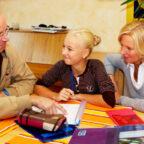 Eltern sollten für gute Lernbedingungen sorgen, aber keine Ersatzlehrer sein. Foto: Studienkreis