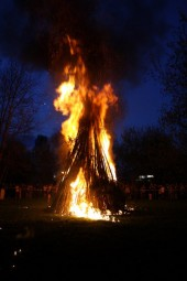 osterfeuer-bad-zwesten